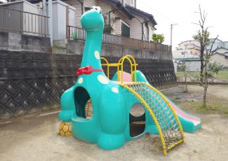 恐竜のすべり台